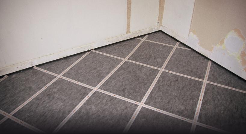 Schlüter-DITRA-SOUND est la nouvelle solution acoustique sous carrelage en pose collée pour les chantiers de rénovation de sols.