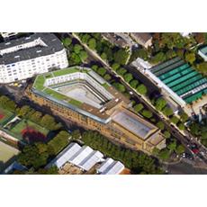 Archi 39 tendances 2013 bati 39 life projets et r alisations for Adresse piscine molitor