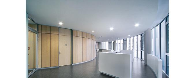 ZEHNDER - Invisible, nouvelle solution de plafond plâtre - Totale liberté de forme pour chauffer et rafraîchir les bâtiments tertiaire