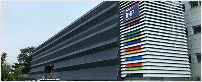 SERGE FERRARI - Confort thermique à l'Institut National Polytechnique de Toulouse - Façade bioclimatique pour une qualité de vie au travail retrouvée