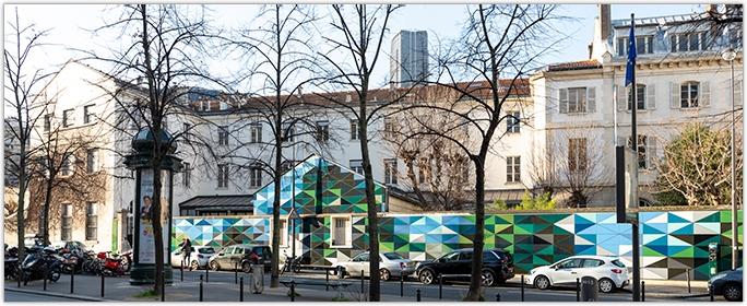 STO - Bardage ventilé StoVentec Glass - Une fresque toute en couleurs embellit Paris